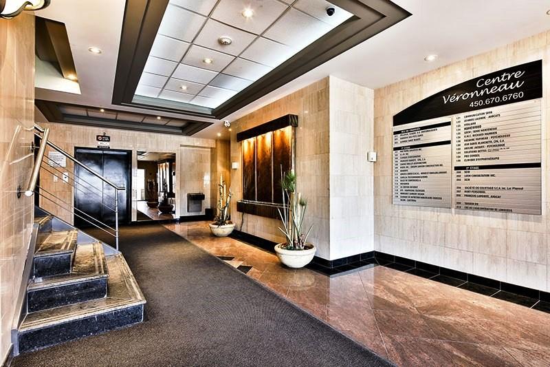 visite virtuelle du bureau d 39 avocat de fran ois lapointe. Black Bedroom Furniture Sets. Home Design Ideas